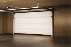 WISNIOWSKI-brama-segmentowa-PRIME-PRIME-garage-door-01_fin_merge_mark